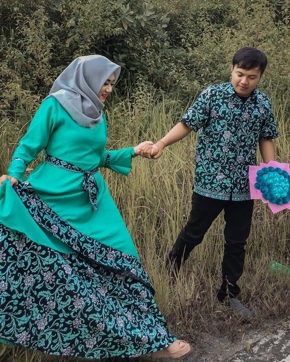 16 Model Baju Muslim Batik Couple Gamis
