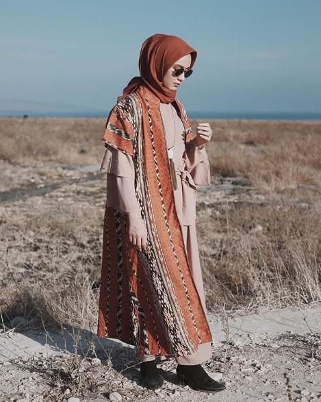 Paduan Stylish Dengan Baju Gamis Coklat Gamis
