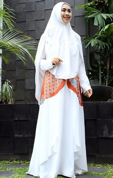 Model Baju Oki Setiana Dewi Model Baju Terbaru 2019