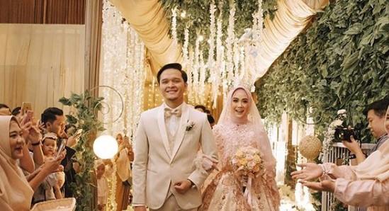 15 Model Gaun Pernikahan Muslimah 2019