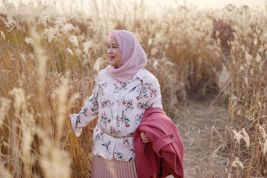 14 Model Baju Muslim untuk Orang Gemuk
