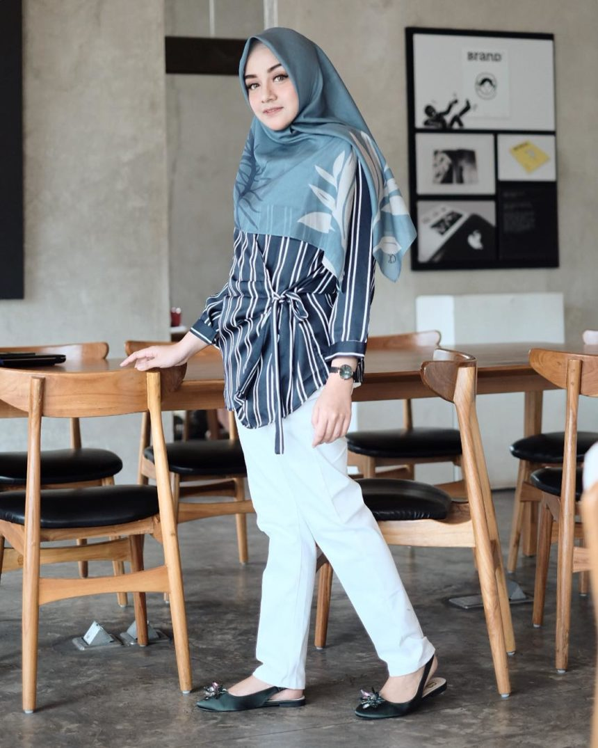 27 Inspirasi Model Baju Muslim Tunic Fashionable